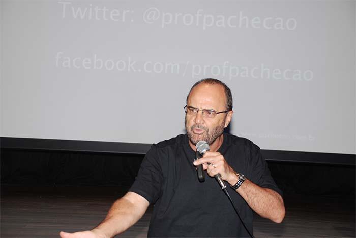 Palestra do professor Pachecão na CDL Rio Bonito motiva e inspira convidados