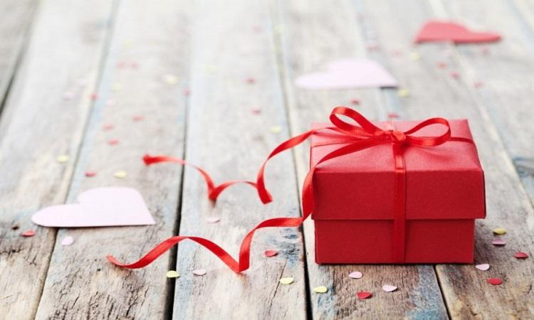 Vendas a prazo no Dia dos Namorados têm leve retração